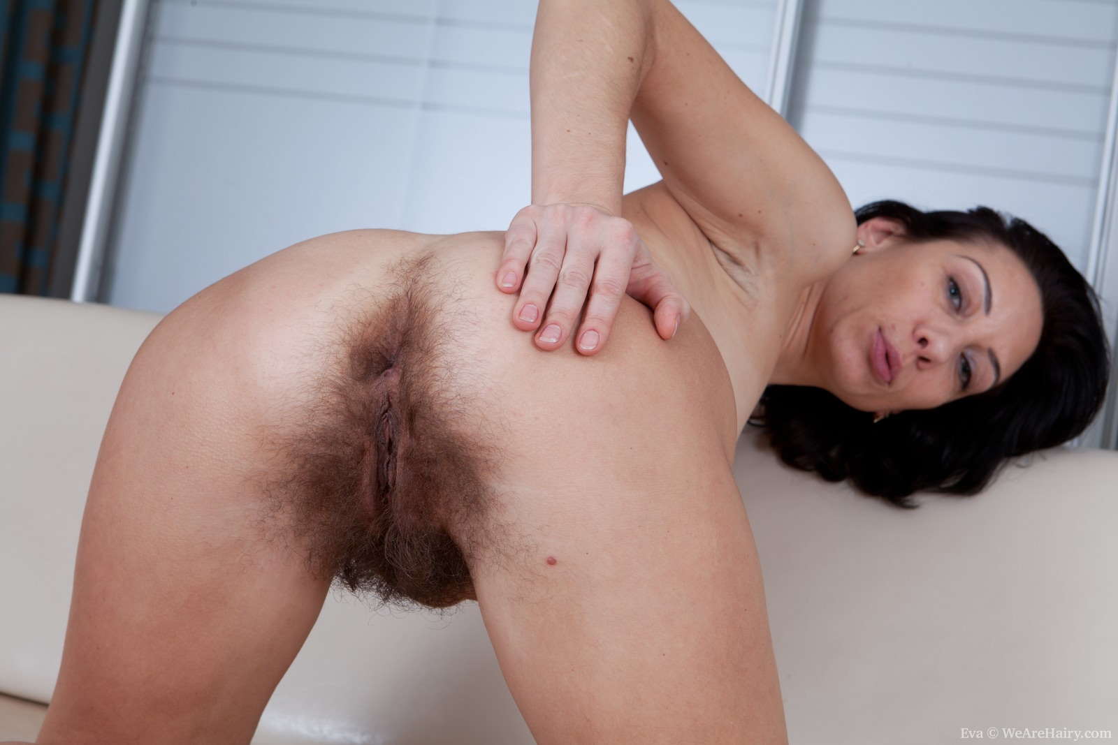 Смотреть порно постаревшиеженщины дают свои волосатые жопы 12 фотография