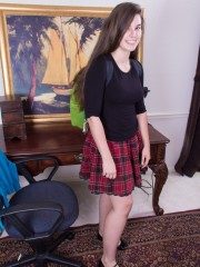 Unkempt honey Ivy examines in her School female Skirt
