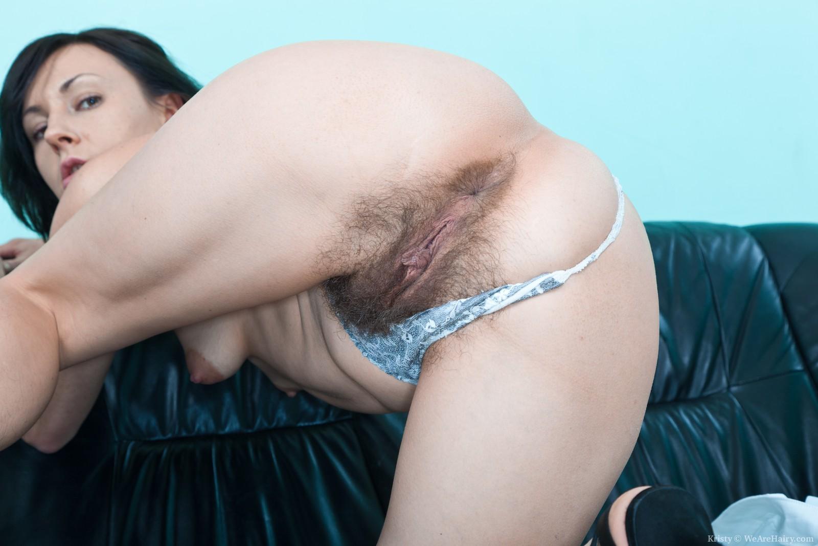 Секс зрелых женщин с волосатой вагиной 24 фотография