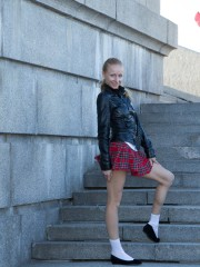 Untrimmed Girl Lisa T violates the Rules