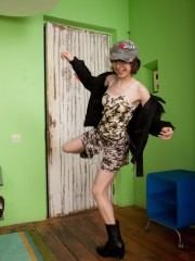 Miki Shows off her Cute innate figure