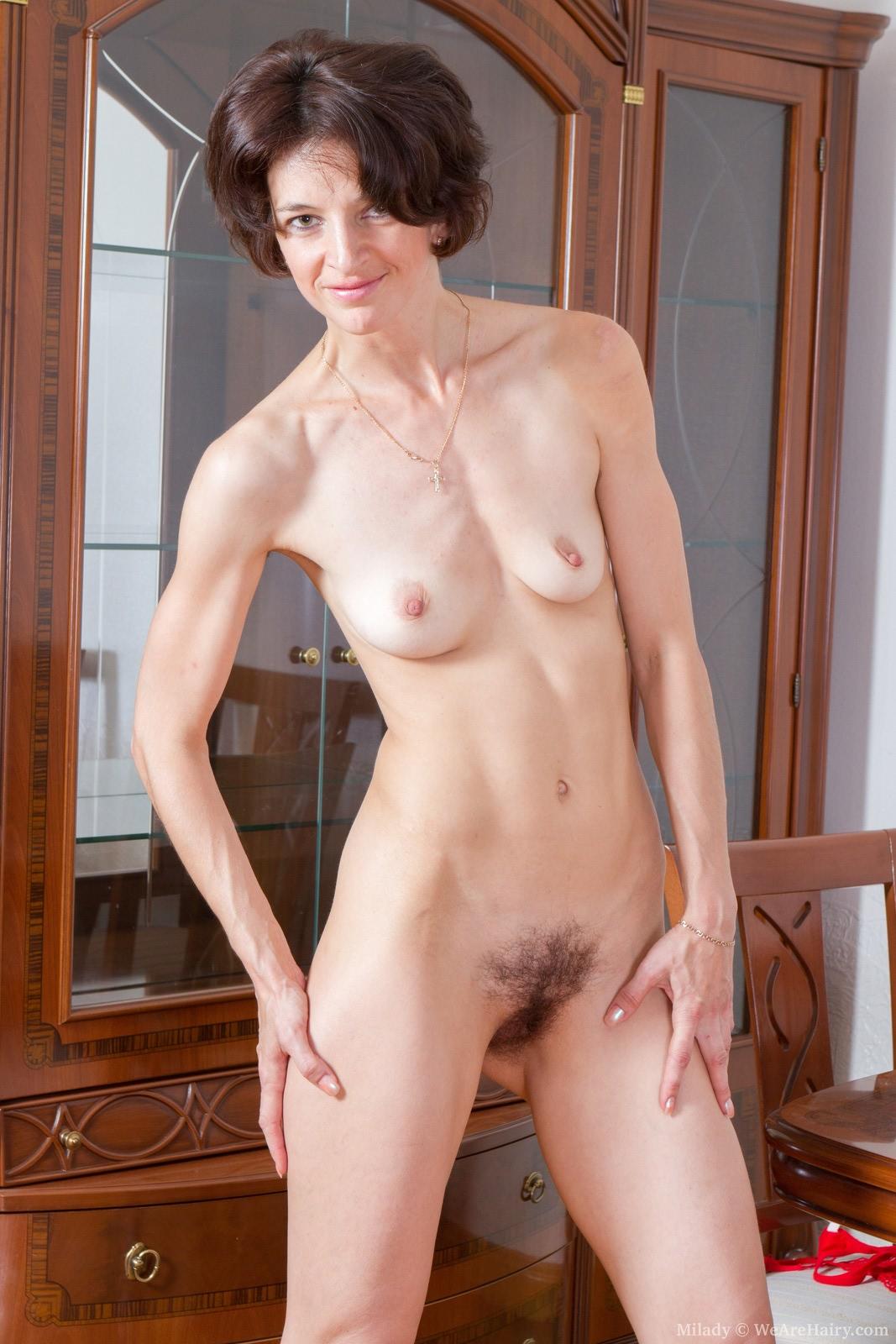 Фото маленькой груди зрелой женщины 11 фотография