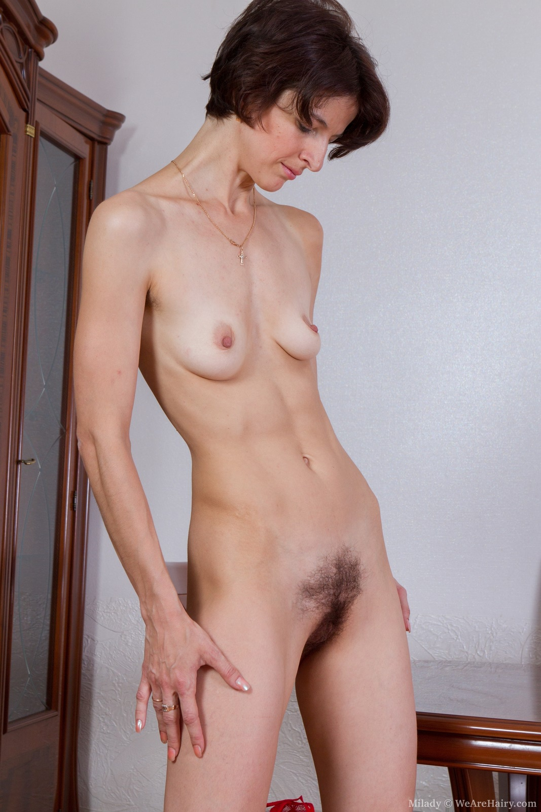 Фото зрелых смаленькой грудью 27 фотография