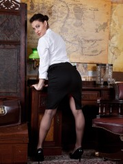Roxy Mendez's cool Secretary Stint