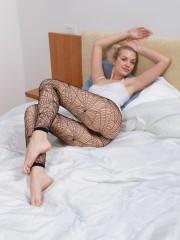 Bushy doll Felicia in ebony Fishnet pantyhose