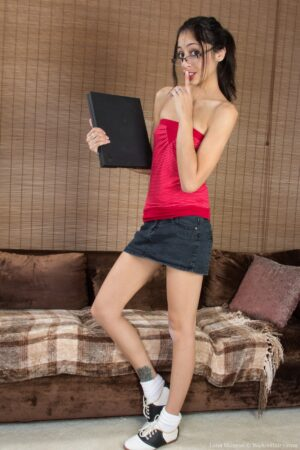 Luna Monroe pleasures in being a Studious unkempt Babe