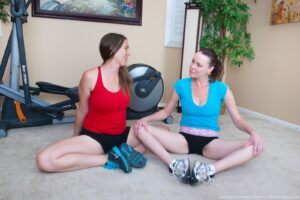 Lindsay and Veronica Snow have post workout sex
